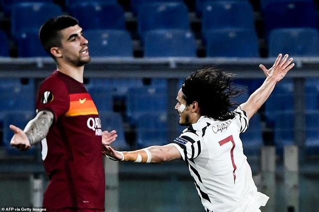 Man Utd thua AS Roma trong ngày Cavani lập cú đúp - 1