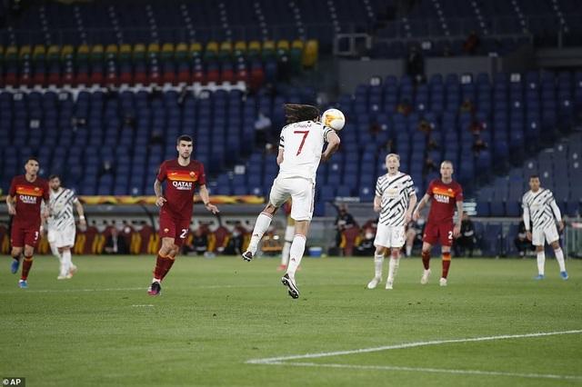 Man Utd thua AS Roma trong ngày Cavani lập cú đúp - 7