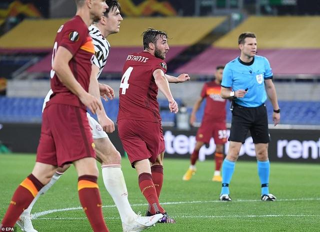 Man Utd thua AS Roma trong ngày Cavani lập cú đúp - 5