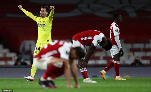 Man Utd thăng hoa nhờ Cavani, Arsenal cay đắng gục ngã trước chung kết - 7