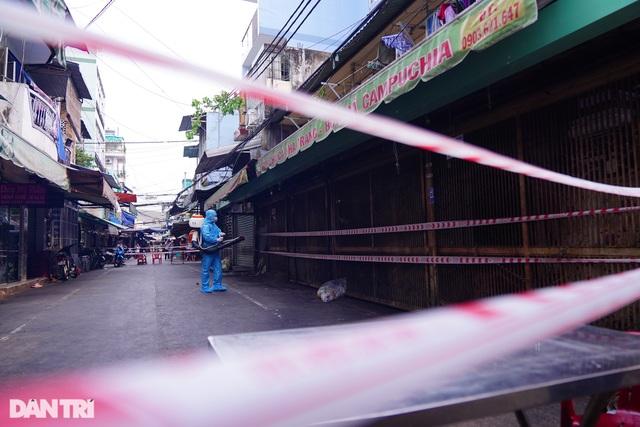 Hai quán ăn ở TP HCM tạm đóng cửa vì ca tái dương tính Covid-19 - 7