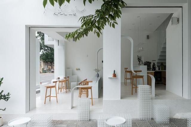 Quán cà phê như lồng chim giữa phố, thiết kế đẹp lạ từ ngoài vào trong - 7