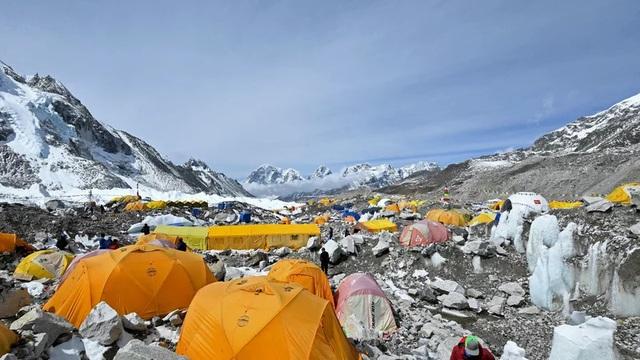 Covid-19 lan đến nóc nhà thế giới, Nepal nguy cơ thành Ấn Độ thứ hai - 1