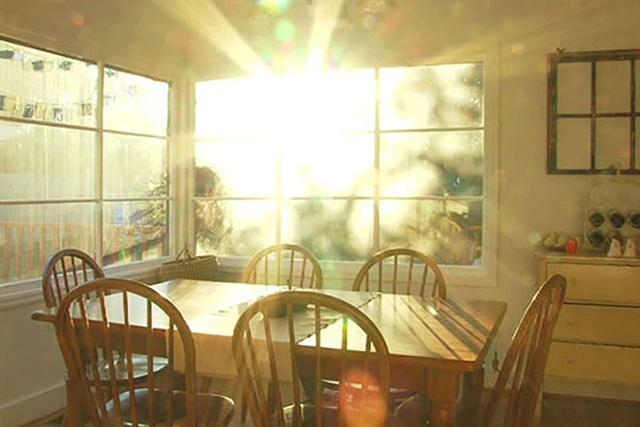 Để nhà chung cư không thành lò lửa, đừng bỏ qua những cách chống nóng này - 2
