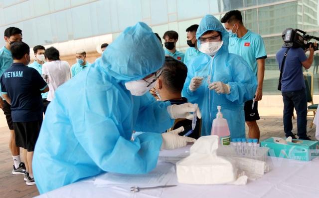Đội tuyển Việt Nam hội quân, xét nghiệm Covid-19 chờ đấu Malaysia, UAE - 5