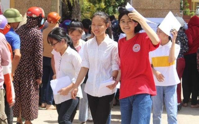 Nghệ An: Có ca dương tính SARS-CoV-2, toàn bộ học sinh Hoàng Mai nghỉ học - 1