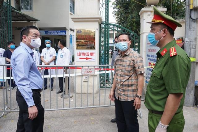 Khẩn cấp tiếp tế khẩu trang, lương thực vào Bệnh viện K Tân Triều - 10