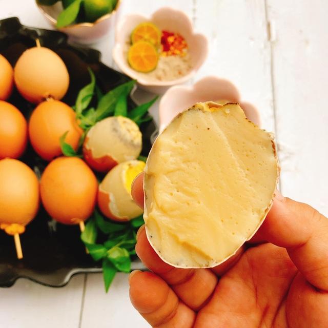Học cách làm món trứng gà nướng béo ngậy - 1