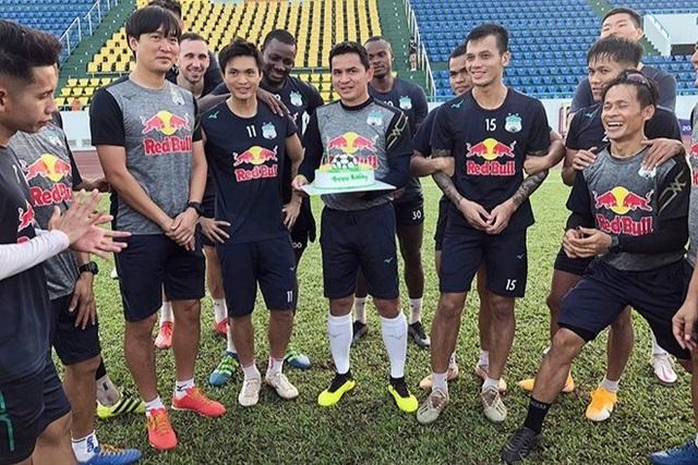 7 cầu thủ lên đội tuyển, HLV Kiatisuk nói điều bất ngờ với thầy Park - 1
