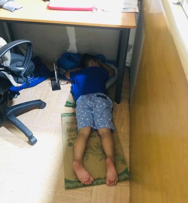 Đứa trẻ bị nhốt trong nhà và bi kịch thời Covid - 2