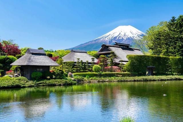 Làng cổ tuyệt đẹp dưới chân núi Phú Sĩ - 1