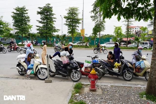 Khẩn cấp tiếp tế khẩu trang, lương thực vào Bệnh viện K Tân Triều - 6