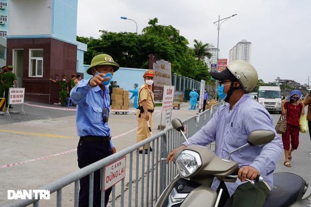 Khẩn cấp tiếp tế khẩu trang, lương thực vào Bệnh viện K Tân Triều - 8