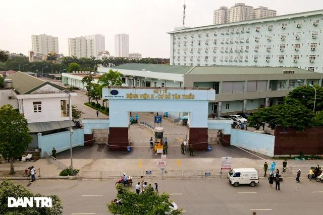 Khẩn cấp tiếp tế khẩu trang, lương thực vào Bệnh viện K Tân Triều - 1
