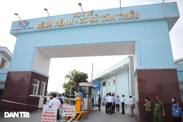 Khẩn cấp tiếp tế khẩu trang, lương thực vào Bệnh viện K Tân Triều - 11