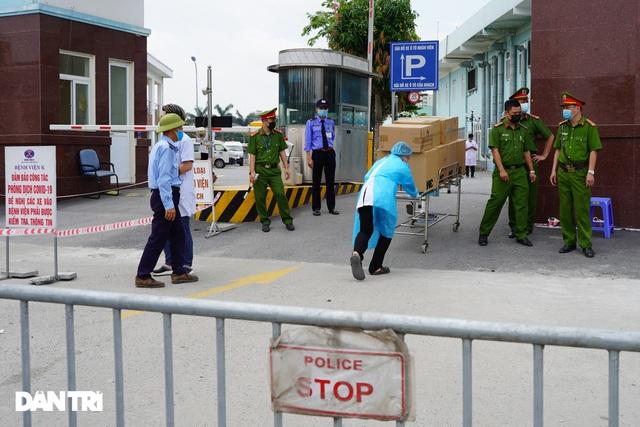 Khẩn cấp tiếp tế khẩu trang, lương thực vào Bệnh viện K Tân Triều - 3