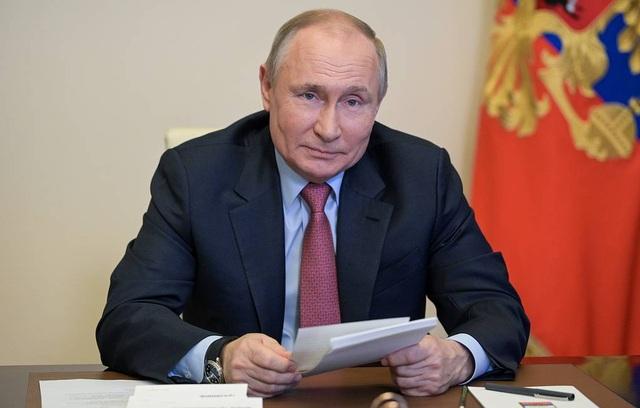 Tổng thống Putin: Vắc xin Covid-19 Nga đáng tin cậy như súng trường AK-47 - 1