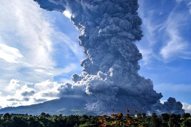 Núi lửa phun trào do đâu, có phải thảm họa nhân loại như trên phim ảnh? - 1