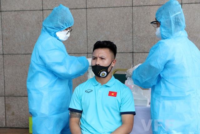 Đội tuyển Việt Nam hội quân, xét nghiệm Covid-19 chờ đấu Malaysia, UAE - 6