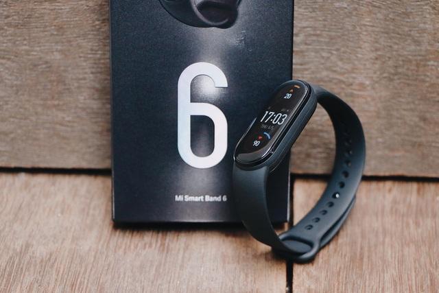 Dưới 2 triệu đồng, chọn mua vòng tay thông minh nào để theo dõi sức khỏe? - 1
