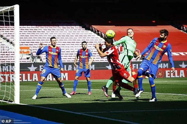 Messi và Suarez tịt ngòi, Barcelona bất phân thắng bại với Atletico - 9