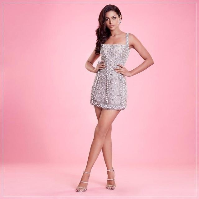 Nhan sắc và bản lĩnh của người đẹp Ấn Độ tại Hoa hậu Hoàn vũ 2020 - 17
