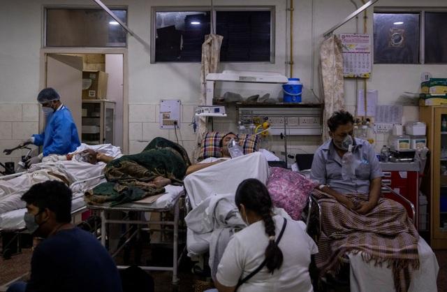 Ấn Độ vượt cột mốc u ám: Hơn 4.000 người tử vong vì Covid-19 trong 24 giờ - 1