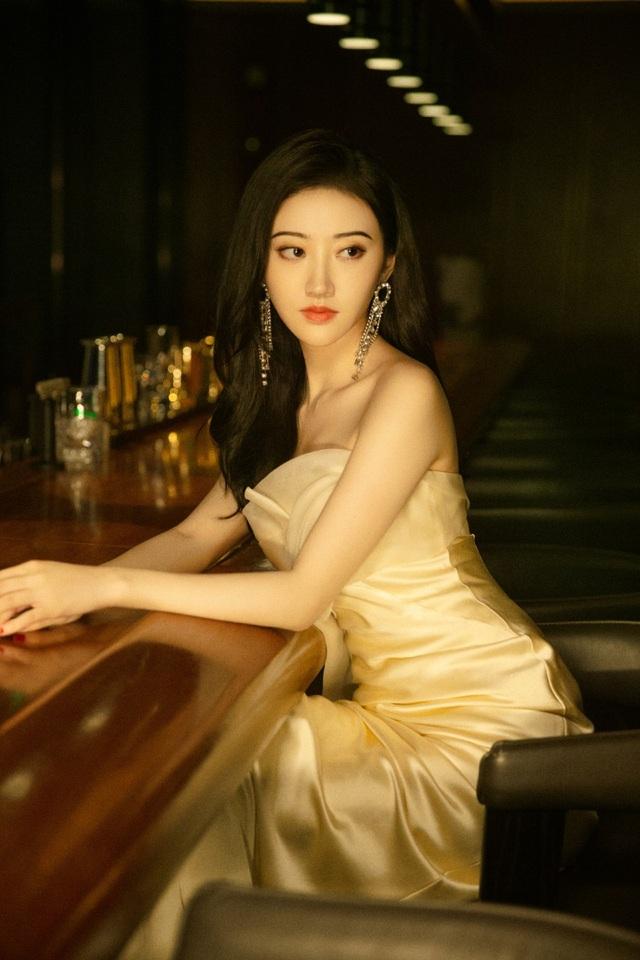 Đệ nhất mỹ nhân Bắc Kinh Cảnh Điềm xinh từ tấm bé - 4