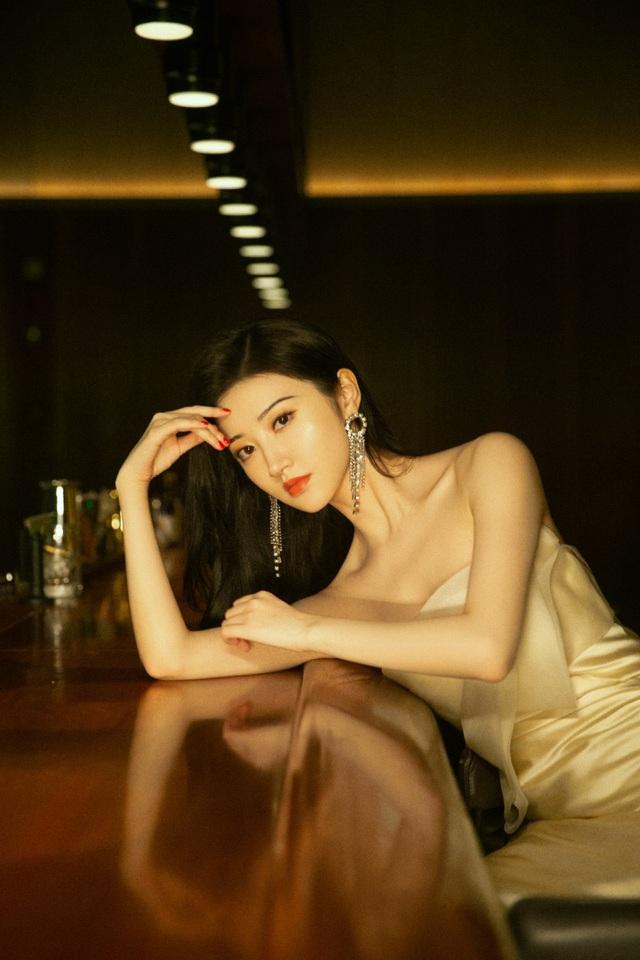 Đệ nhất mỹ nhân Bắc Kinh Cảnh Điềm xinh từ tấm bé - 7
