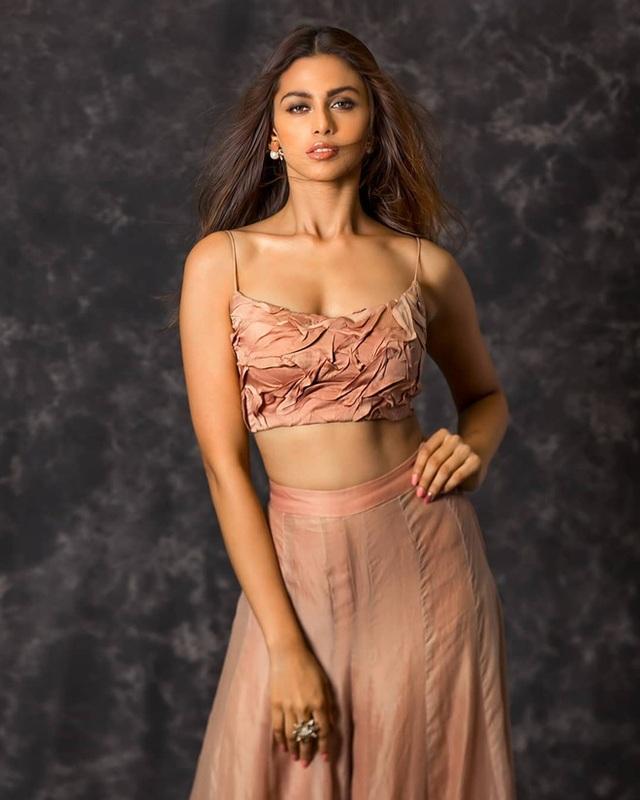 Nhan sắc và bản lĩnh của người đẹp Ấn Độ tại Hoa hậu Hoàn vũ 2020 - 10