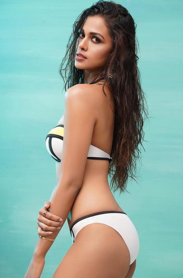 Nhan sắc và bản lĩnh của người đẹp Ấn Độ tại Hoa hậu Hoàn vũ 2020 - 19