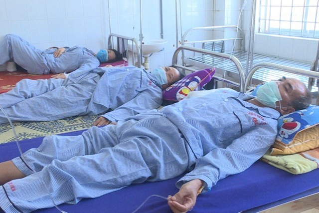 Mua nấm về ăn, cả gia đình 5 người phải nhập viện vì ngộ độc - 1