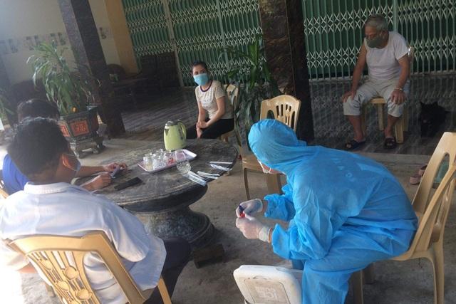 Quảng Bình: Cách ly 50 người liên quan 2 bệnh viện có các ca mắc Covid-19 - 1