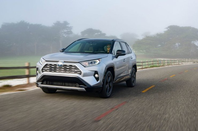 Những mẫu SUV tầm trung tốt nhất 2021 - 2