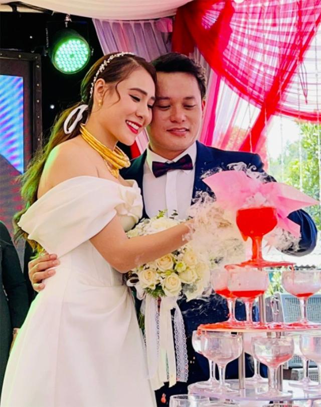 Sao Việt cưới chạy dịch, hoãn cưới vì Covid-19 bùng phát nhiều nơi - 2