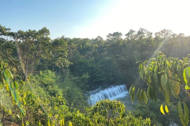 Hai thác nước nằm giữa thành phố bị xà xẻo để... lấy view? - 1