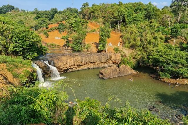 Hai thác nước nằm giữa thành phố bị xà xẻo để... lấy view? - 3