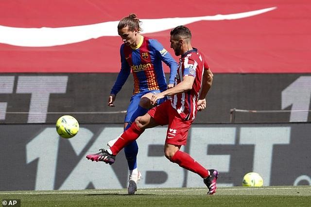 Nỗ lực của Messi không thể giúp Barcelona đánh bại Atletico - 9