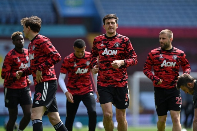 Aston Villa 1-3 Man Utd: 4 phút lật mặt và dấu ấn của Cavani - 15