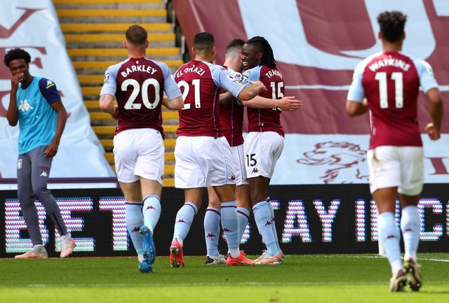 Aston Villa 1-3 Man Utd: 4 phút lật mặt và dấu ấn của Cavani - 11