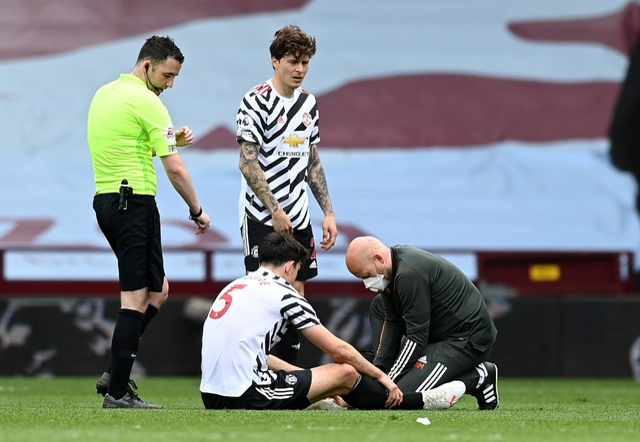 Aston Villa 1-3 Man Utd: 4 phút lật mặt và dấu ấn của Cavani - 5