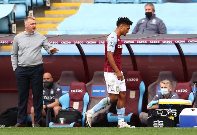 Aston Villa 1-3 Man Utd: 4 phút