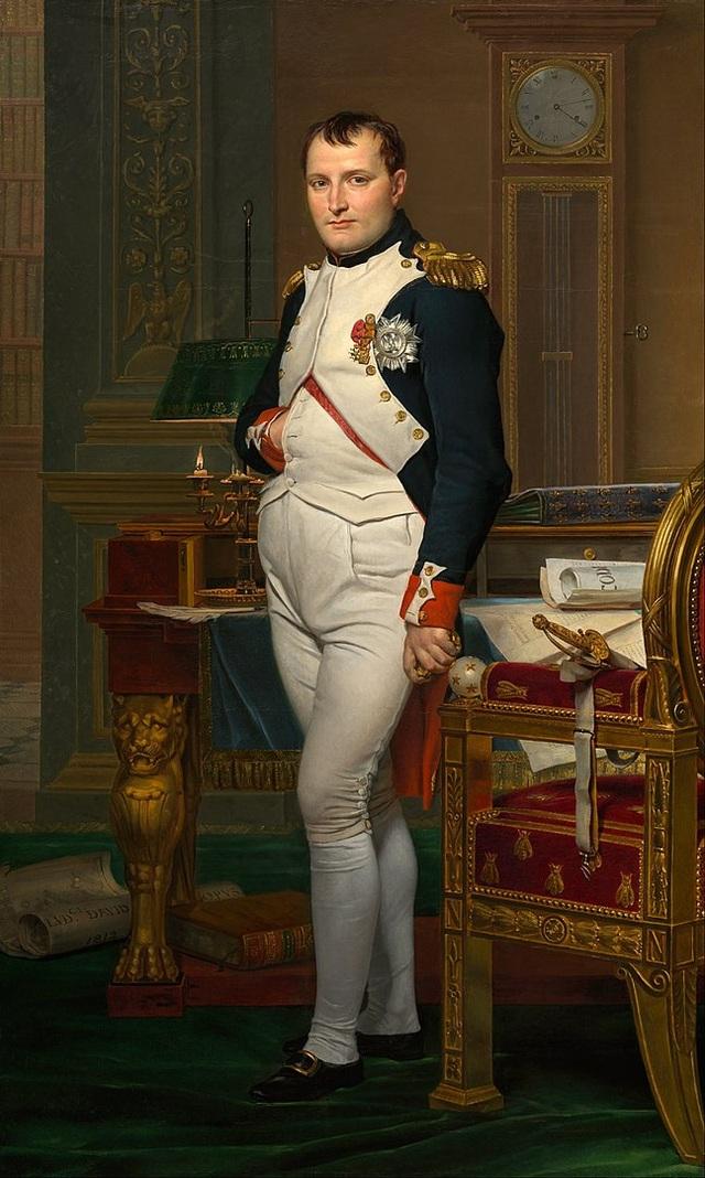 Bất ngờ về thói quen xịt đẫm nước hoa của Napoleon - 2