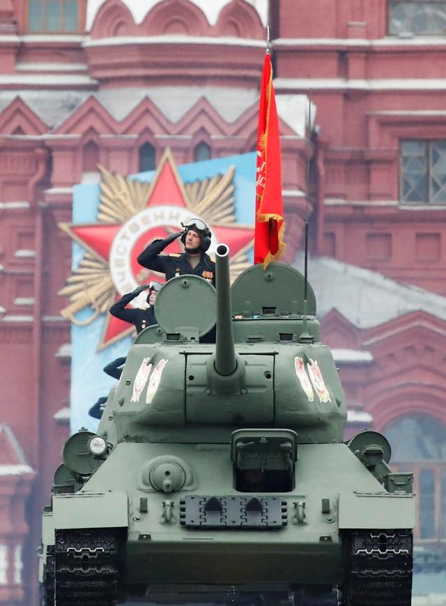 Dàn khí tài khủng của Nga trong lễ duyệt binh - 9