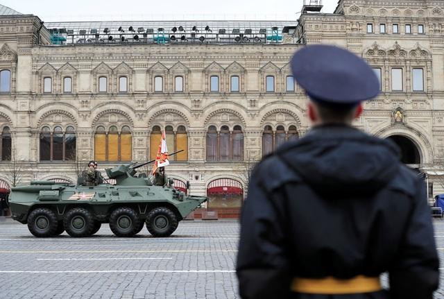 Dàn khí tài khủng của Nga trong lễ duyệt binh - 10