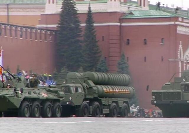 Dàn khí tài khủng của Nga trong lễ duyệt binh - 23