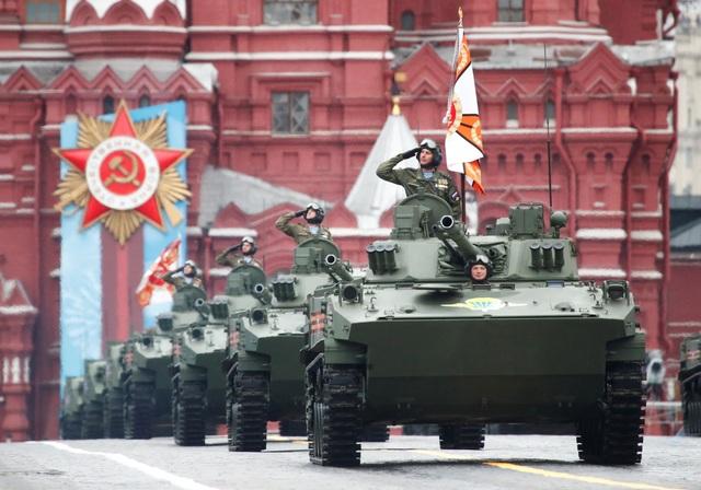 Dàn khí tài khủng của Nga trong lễ duyệt binh - 7