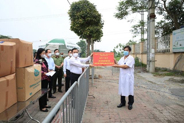 Bí thư Hà Nội: Thủ đô đang có 2 chùm ca bệnh phức tạp tại 2 bệnh viện lớn - 2
