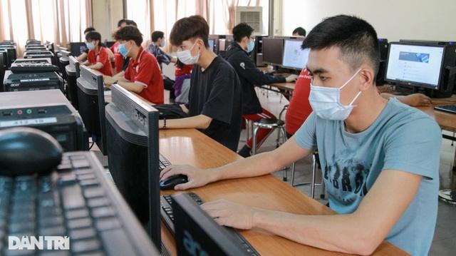 Trường nghề dùng thiết bị ảo để dạy online trong mùa Covid-19 - 11