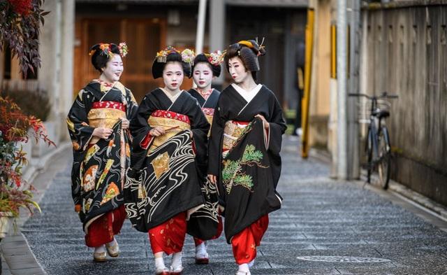 Khám phá Kamishichiken, khu phố Geisha lâu đời nhất Kyoto - 5